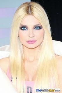 مريم كلينك (Myriam Klink)، عارضة أزياء لبنانية