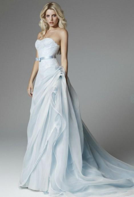 il sogno di una wedding planner  Le Tendenze Dell abito da Sposa 2013 959d7d430b5