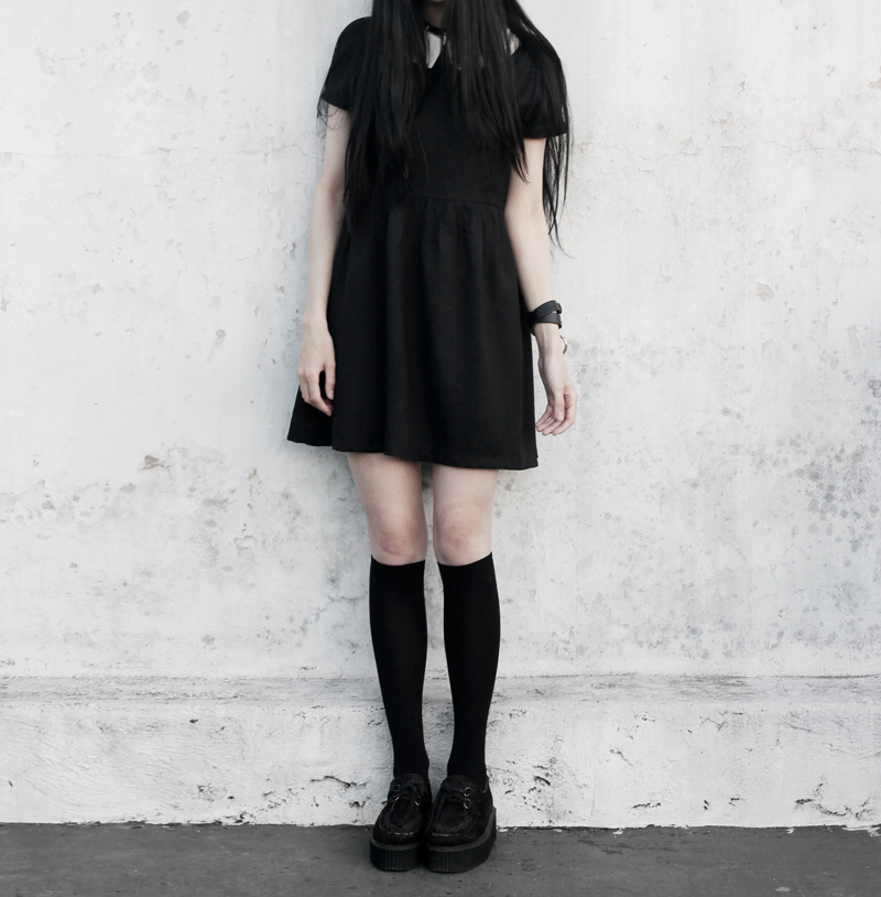 black, dress, collar, gothic, grunge, blogger, personal, style, creepers, vestido, negro, moda, fashion, witch, ideas, inspiration, how to wear, argentina, dark, alternative