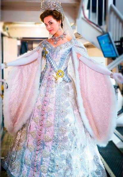 Figurino Czarina em Anastasia
