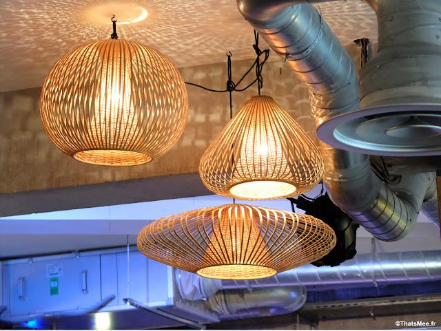 luminaire suspension osier 50s deco, Brunch en Terrasse industrielle à Paris Les Petites Gouttes esplanade Nathalie Sarraute 18eme eco quartier Pujol