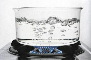 Inilah Bahaya Mendidihkan Ulang Air yang Sudah Dimasak