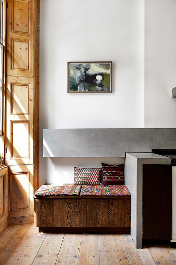 London townhouse kitchen. Photo by Bridget W. Drejer / Sisters Agency