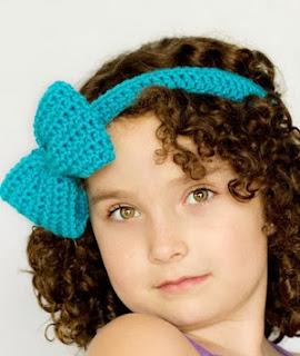 http://translate.googleusercontent.com/translate_c?depth=1&hl=es&prev=/search%3Fq%3Dhttp://theyarnbox.com%26safe%3Doff%26biw%3D1429%26bih%3D984&rurl=translate.google.es&sl=en&u=http://www.hopefulhoney.com/2013/01/bluebell-headband-bow-pattern.html&usg=ALkJrhg3AzNujji77BZ8P89AQHMIqxQfvA