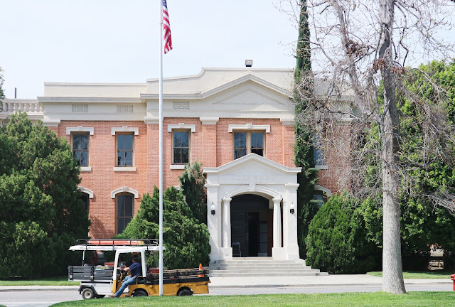Pretty Little Liars Rosewood City Hall