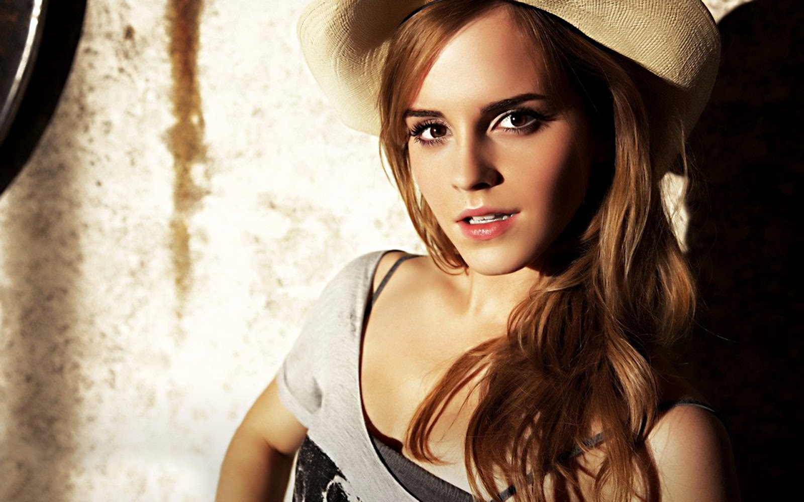 Wellcome To Bollywood HD Wallpapers: Emma Watson Hollywood Actress Full HD Wallpapers