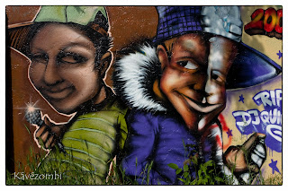 graffiti Szegeden a körtöltésen két alakról