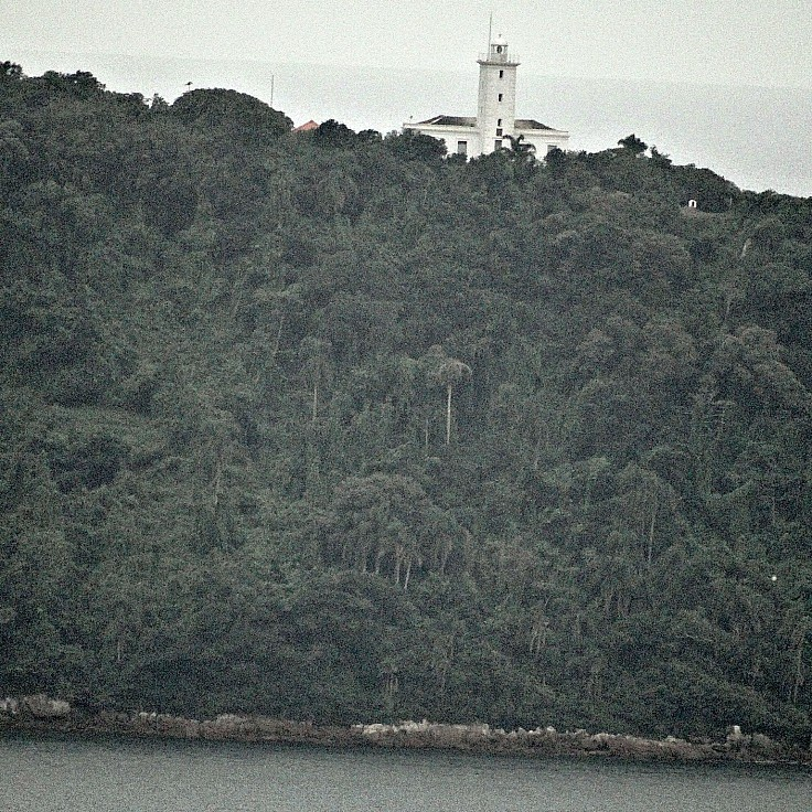 Ilha da Paz vista do Forte Marechal Luz, em São Francisco do Sul