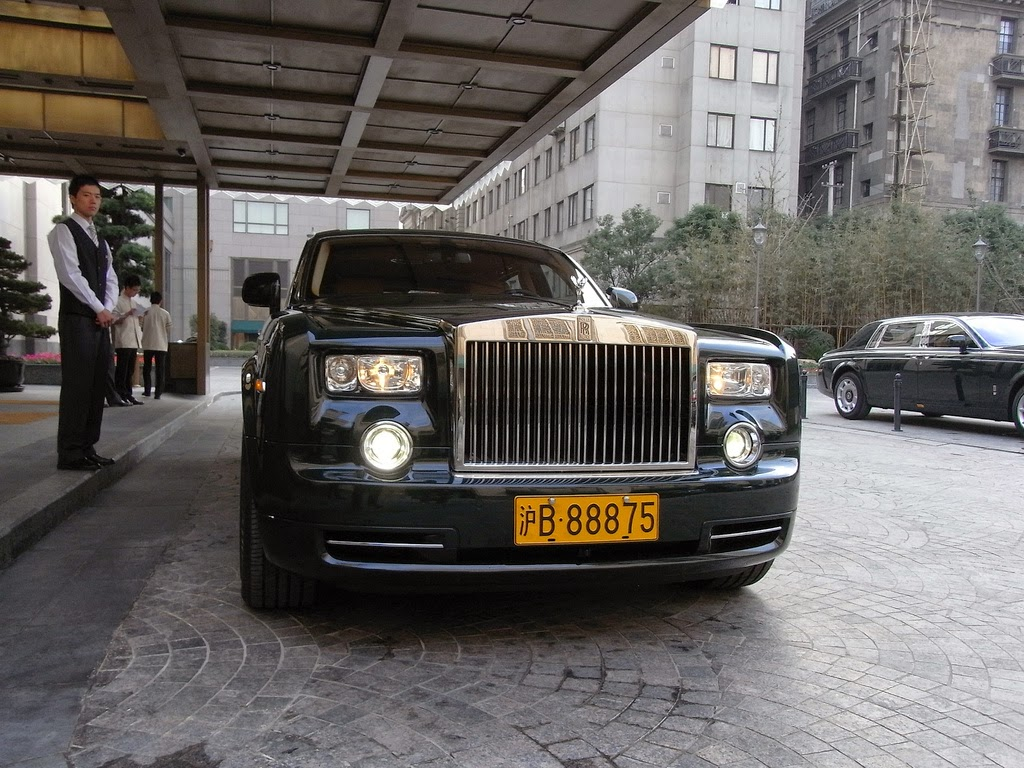 automobiles base: rolls royce ghost vs phantom with specifications