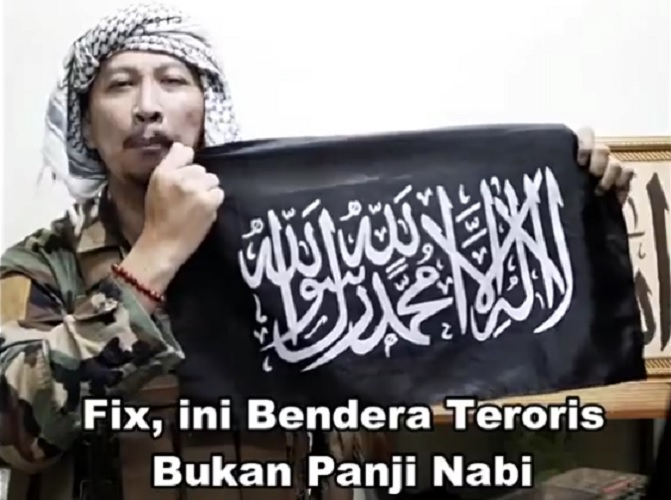 Abu Janda ini bendera teroris bukan panji nabi