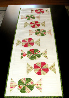 Candy Carousel quilted table runner pattern - detail #2