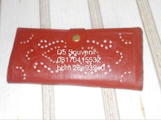 souvenir dompet kulit, souvenir pernikahan eksklusif, souvenir khas jogja