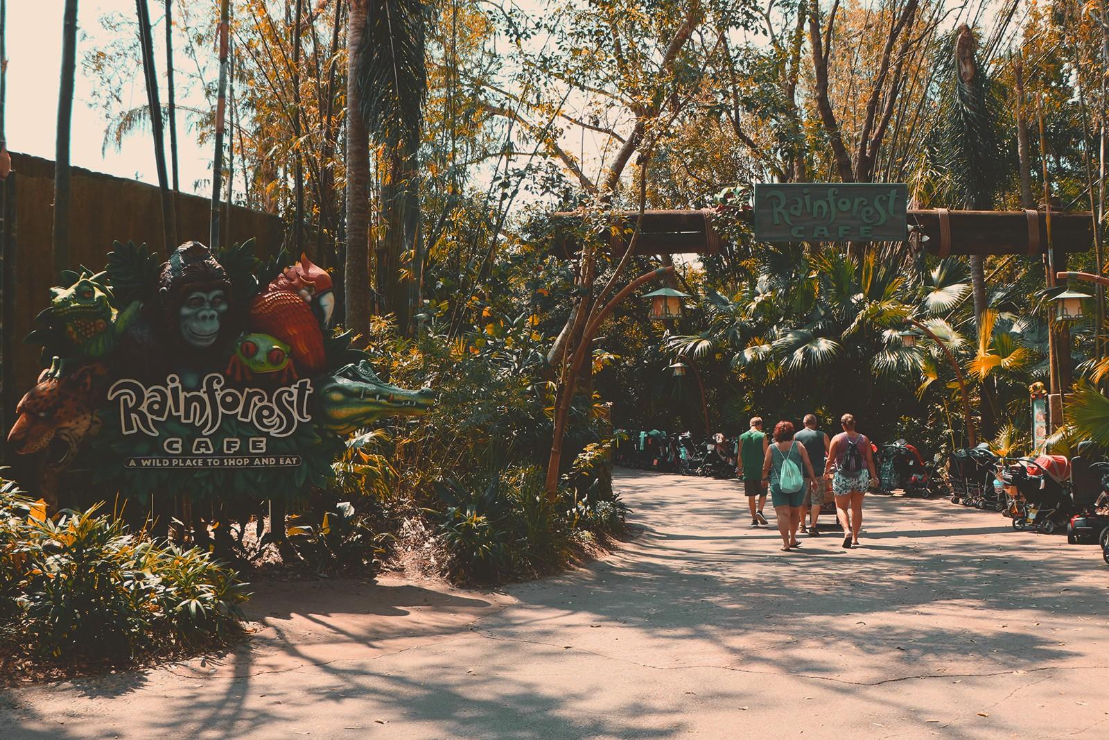 entrada restaurante rainforest cafe