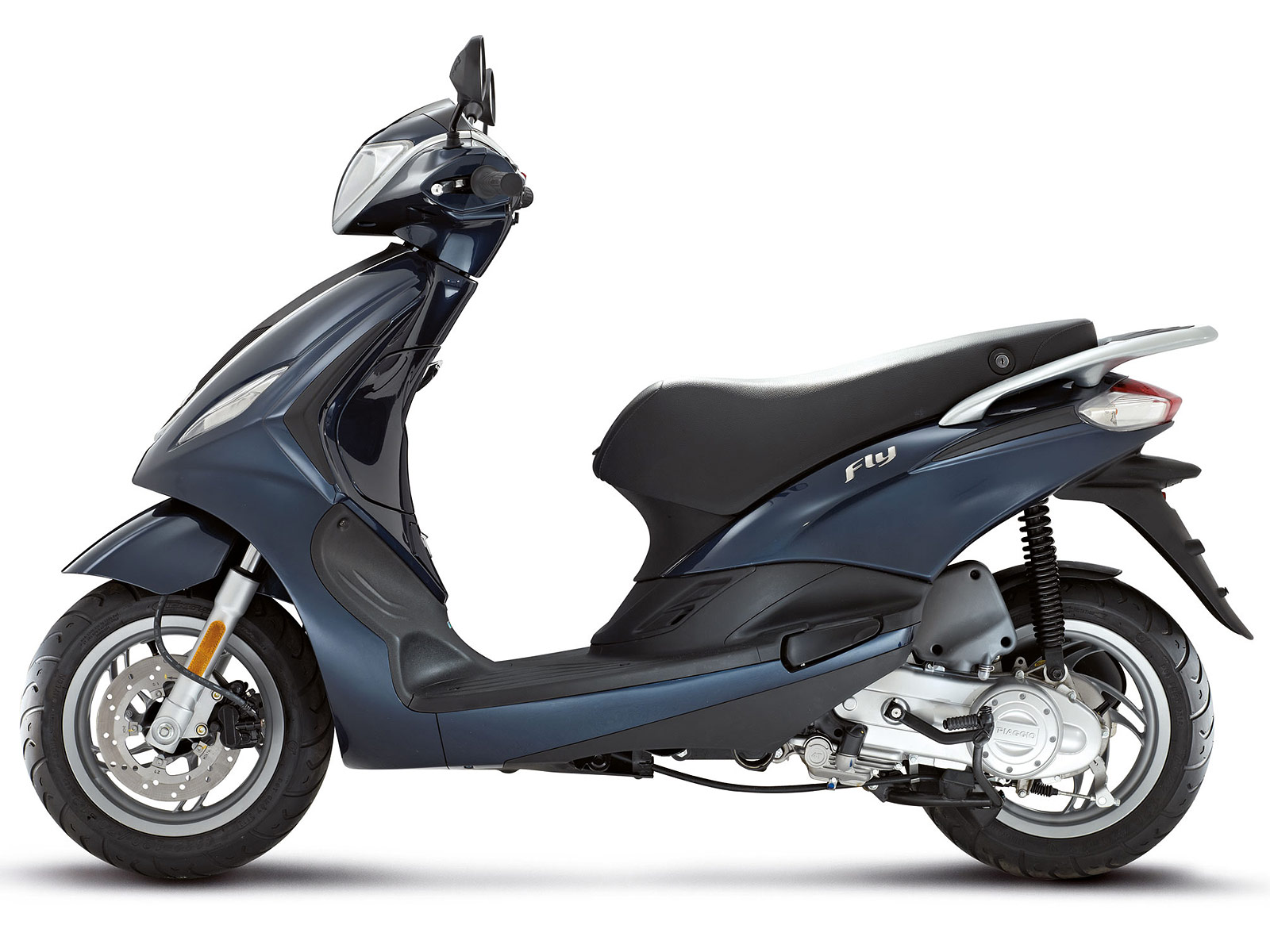 2013 piaggio fly 50 4v scooter pictures specifications. Black Bedroom Furniture Sets. Home Design Ideas