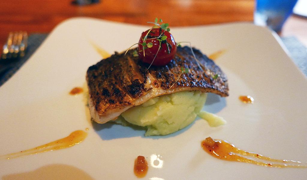 Euriental | fashion & luxury travel | Conrad Maldives, Mandhoo restaurant, seabass