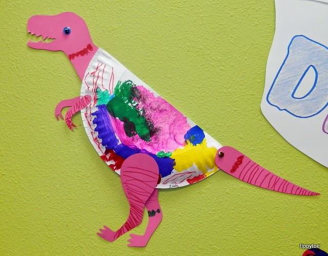 Tippytoe Crafts: Paper Plate Dinosaurs