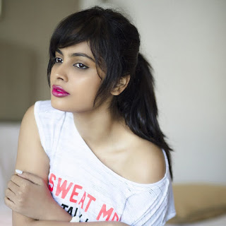 Nandita Swetha hot, movies list, photos, hot navel photos, age, latest photos, hot photos, nominations, wiki, instagram, biography