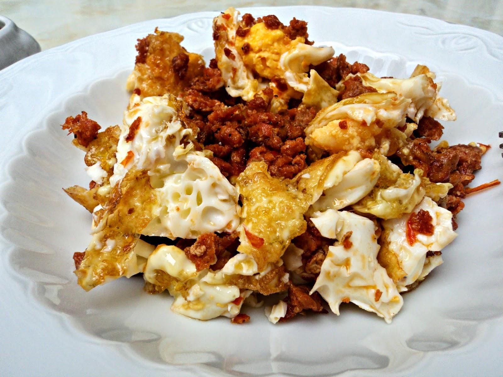 pasta-chorizo-huevo-cerca