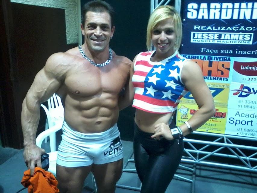 O fisiculturista Fernando Sardinha posa para foto ao lado da atleta Morgana Amaral. Foto: Morgana Amaral