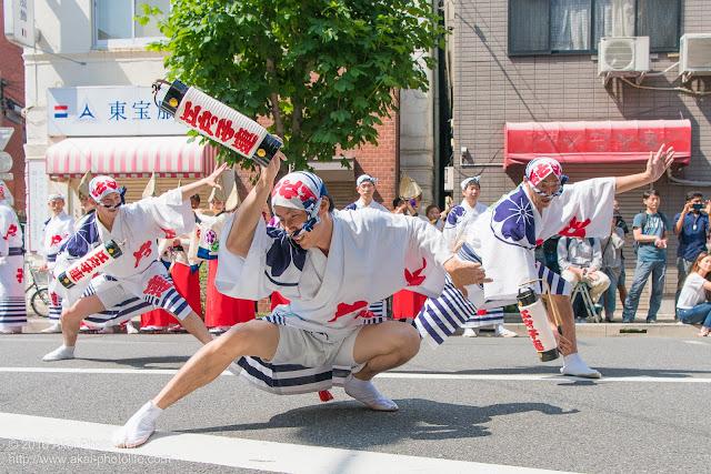 江戸っ子連、男踊り、マロニエ祭り流し踊り中の演舞の写真 その3
