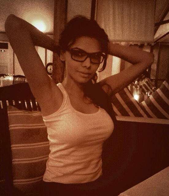 Sherlyn-Chopra-At-Her-Home