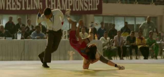 Dangal Movie Review wrestling scene