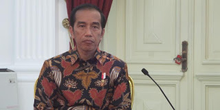 "Jumat Pagi, Presiden Buru Buru Keluar Istana Guna Tinjau ""Venue"" Asian Games di Stadion GBK - Commando"