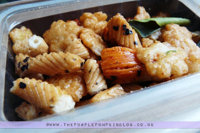 graze box snack - tom yum yum