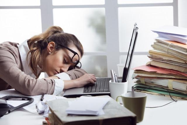 Manfaat Tidur Singkat Bagi Pekerja Kantoran