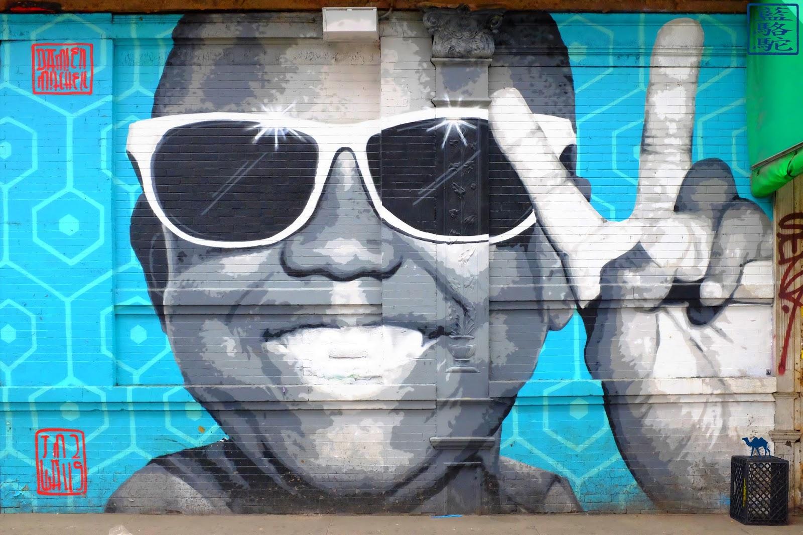Le Chameau Bleu - Enfant Black à Lunettes - BUshwick - Street Art