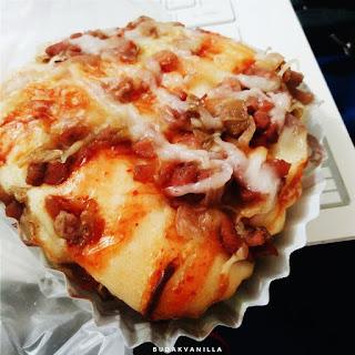 pizza bun