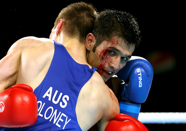 Boxing: Pakistani Boxer Mohammad Waseem Floors Moruti Mthalane But Loses World Title Via Decision