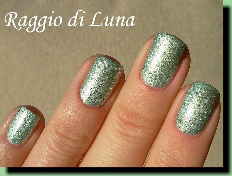 raggio di luna nails essence colour go n 190 kiss me freddy