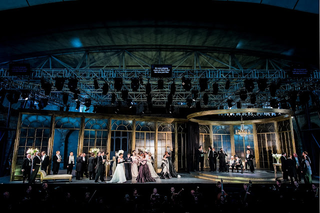 Verdi: La traviata - Opera Holland Park (Photo Robert Workman)