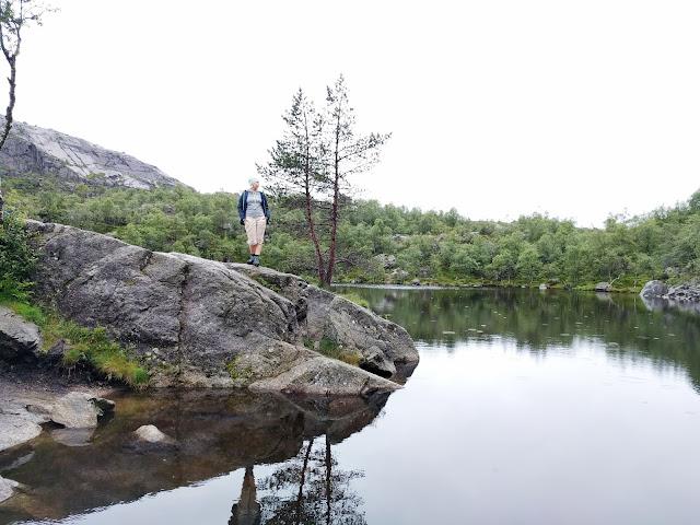 норвегия озеро, природа, после дождя