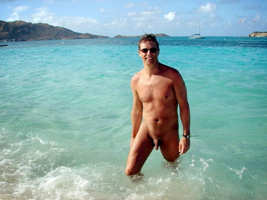 мужчины на море голые запросу