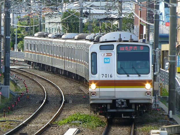 東急東横線 各停 渋谷行き 7000系