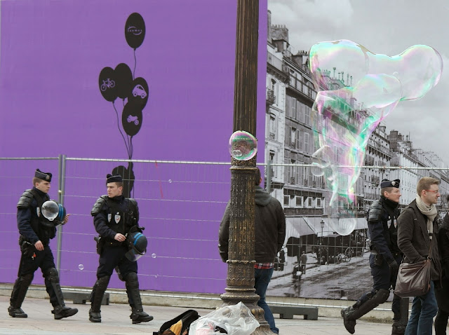 Paris police bubbles