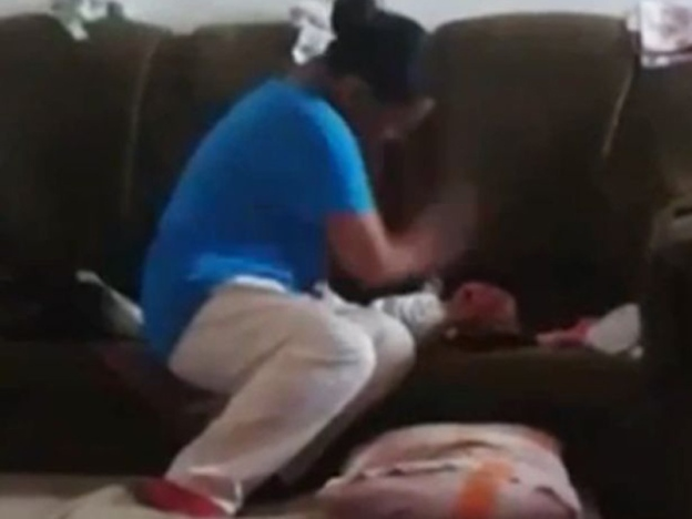 Ibu tampar, tumbuk bayi 42 kali ditahan polis