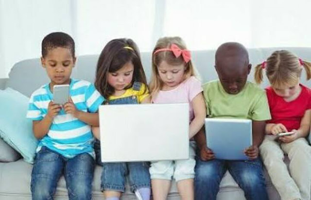 أثر إستخدام التكنولوجيا على الأطفال.