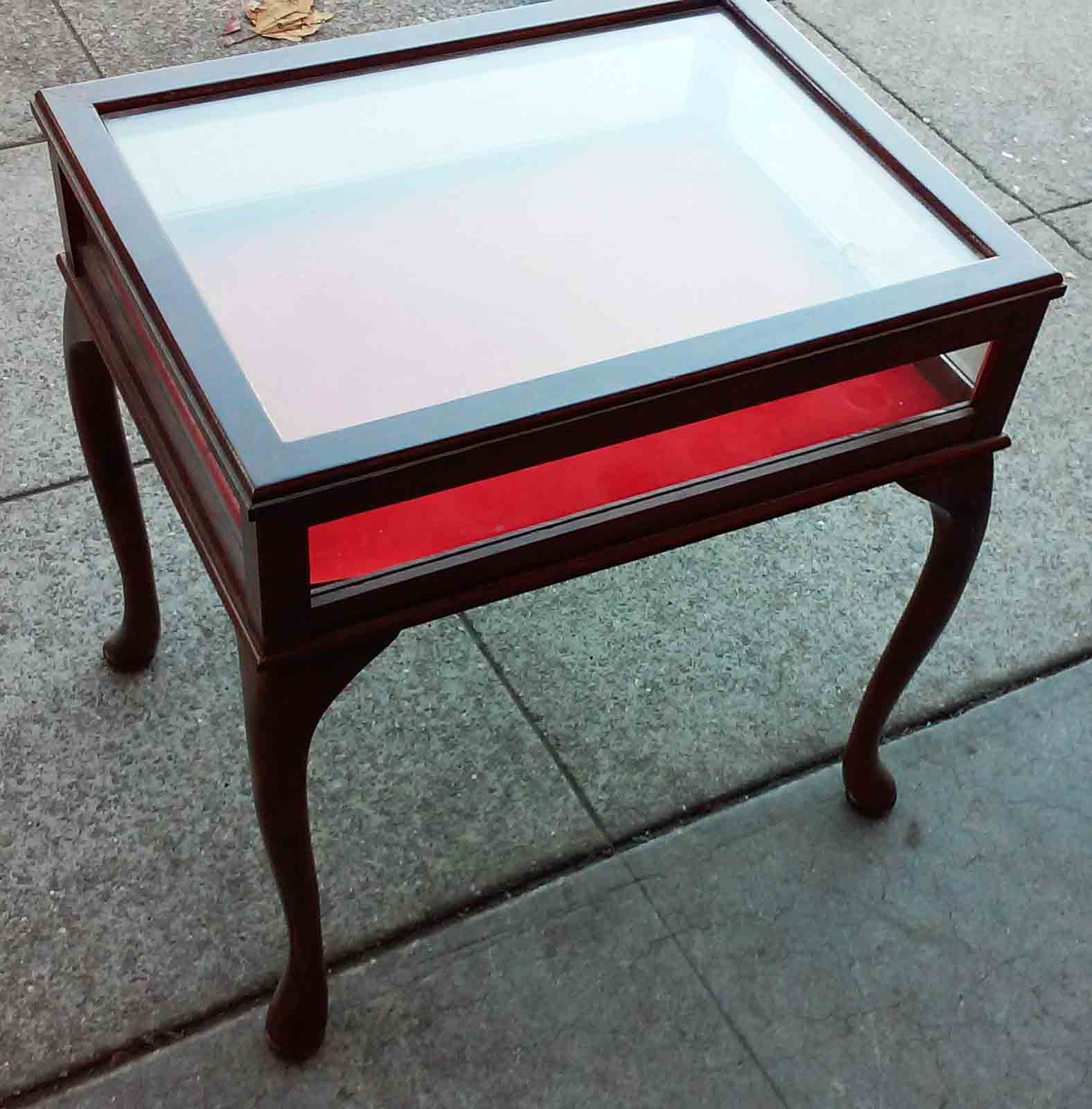 Display Case End Table Uhuru Furniture And Collectibles Sold Display Case End