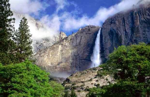 Air terjun Sedudo  - tempat wisata alam di nganjuk