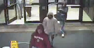 Teens Steal Over $13K In iPhones From Natick Apple Store In 'Flash Mob' Robbery