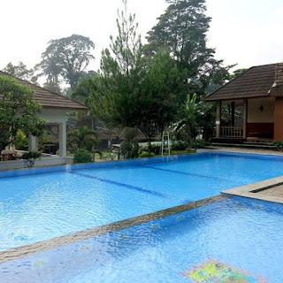kolam renang vila