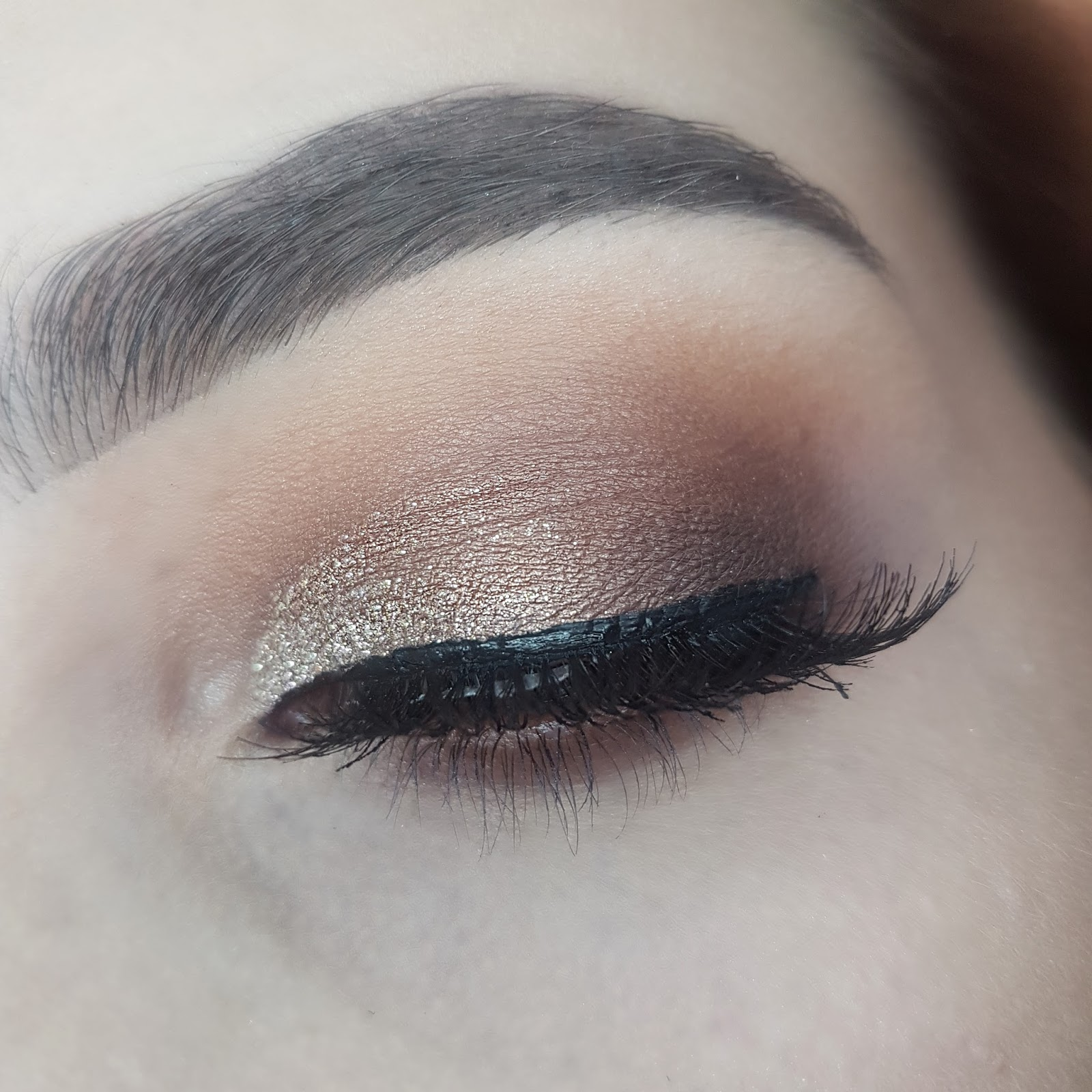 Eye Make Up Using Collection Glam Crystals Gel Eyeliner