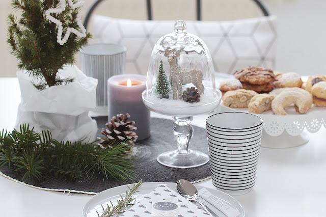 Weihnachtliche Kaffeetafel