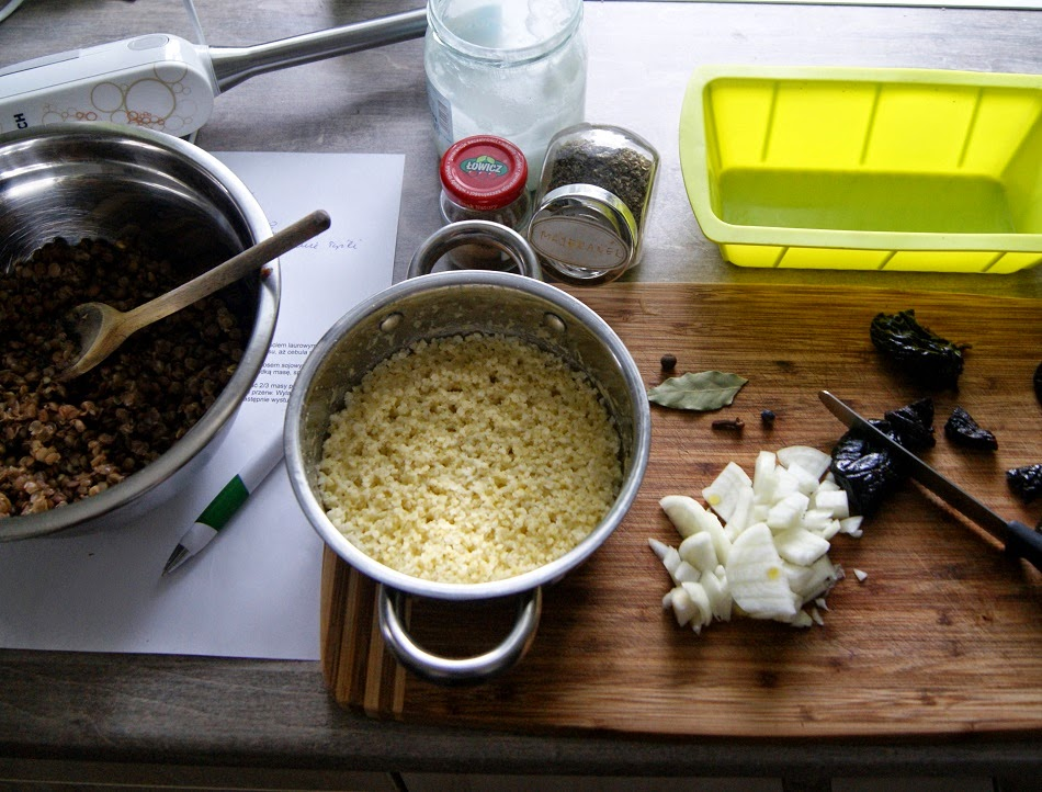 Pasztet wegetariański z soczewicy i kaszy jaglanej