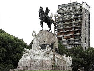 Estátua Equestre de Bartolomé Mitre, na Plaza Mitre, Buenos Aires