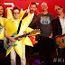 "Weezer - ""Island in the Sun"" & ""Feels Like Summer"" Performance"