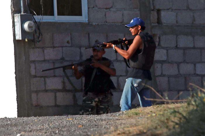 Se enfrentan grupos de autodefensas por control de dos municipios en Guerrero (Video), ya se volvieron mañosos?